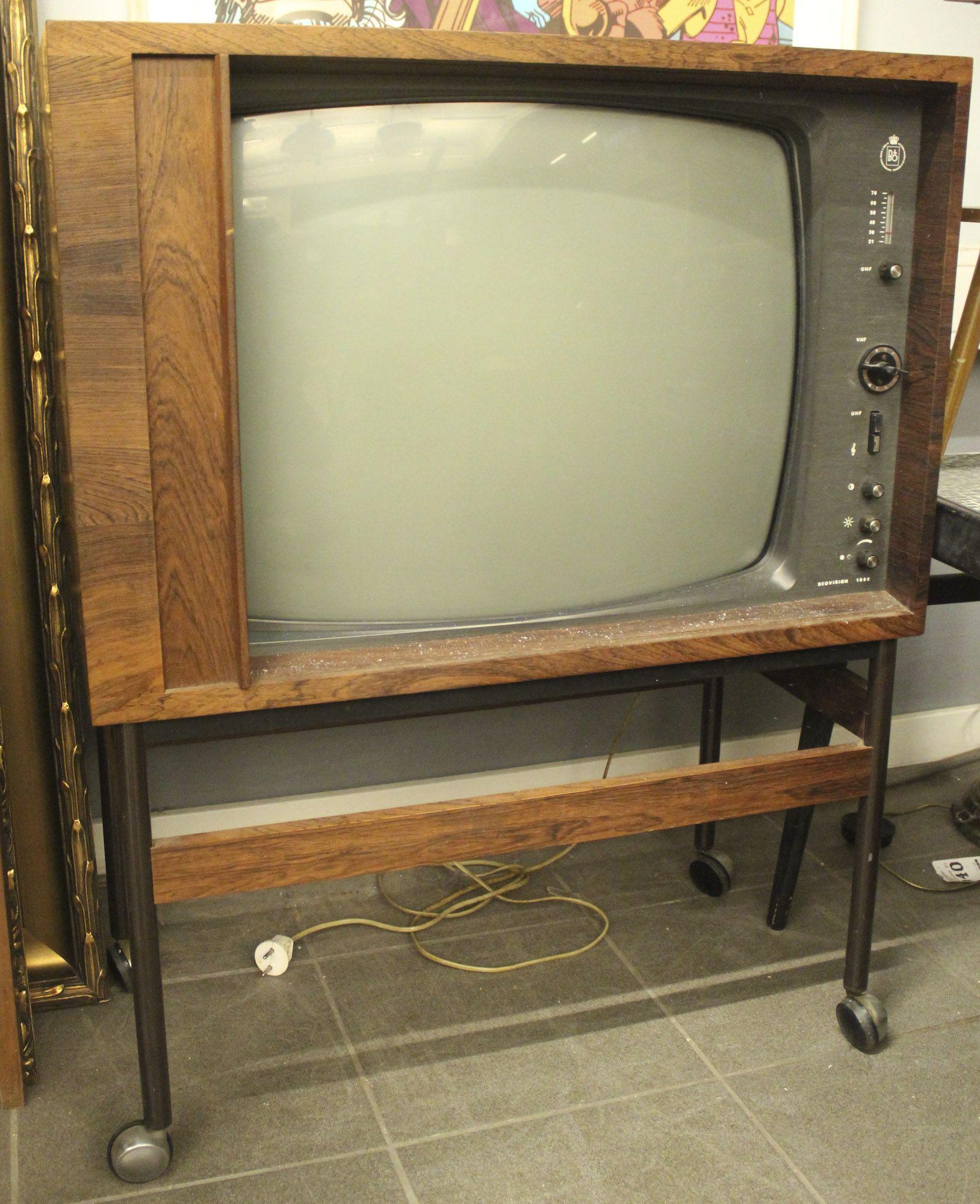 tv m bel b o bang olufsen beovision 1000 l ngd 67 djup 40 h jd 86 ej. Black Bedroom Furniture Sets. Home Design Ideas